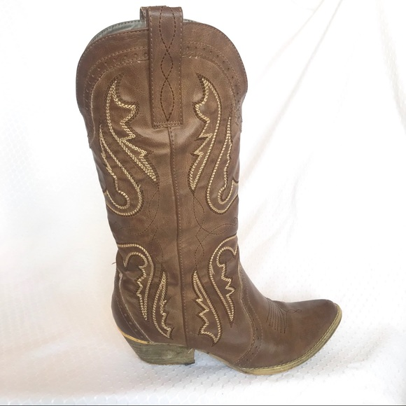 Very Volatile Brown Cowboy Boots Ariat